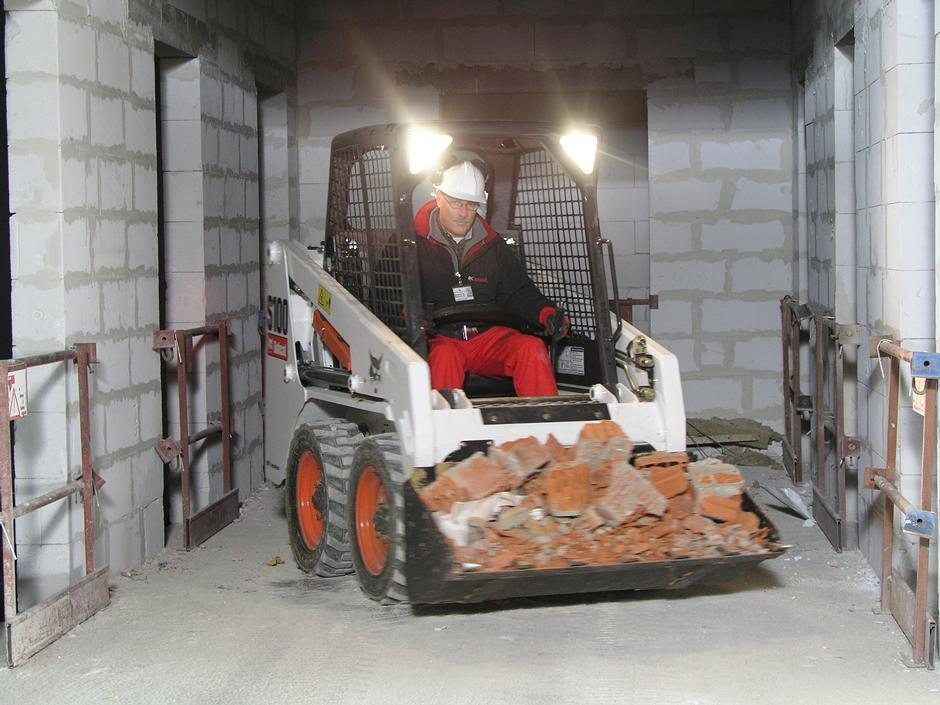 Bobcat s100 skid steer loader
