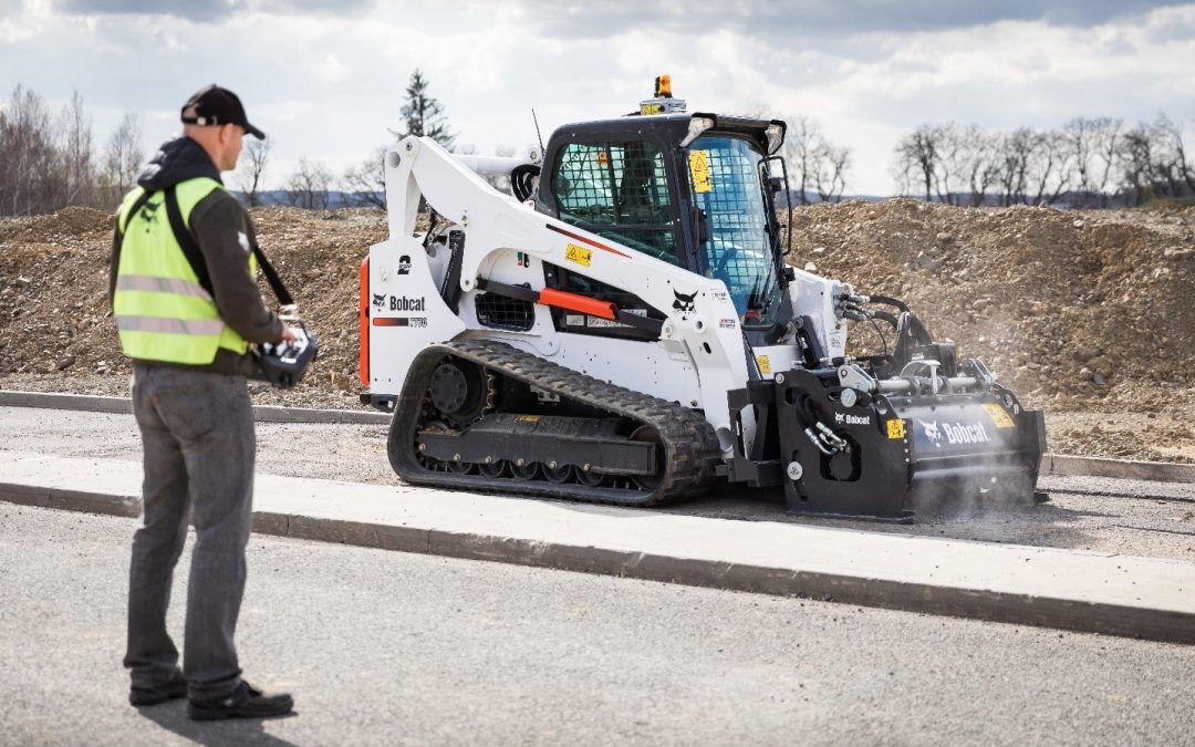 Bobcat's all new Remote control unit for Skidsteers and tracked loaders